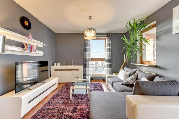 One-Bedroom Apartment with Balcony 39
