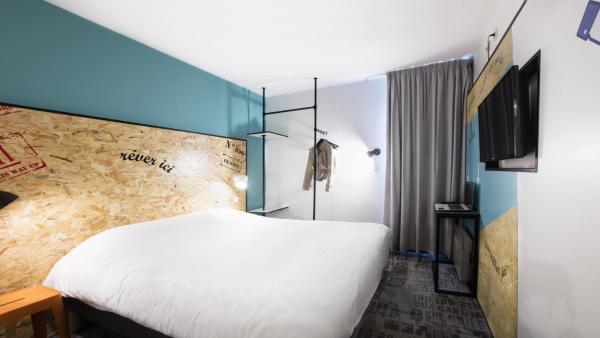 Hotel Pictures: P'tit-Dej Hôtel Clermont Nord Ladoux, Châteaugay