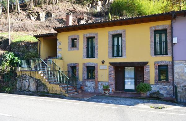 Hotel Pictures: La Casa del Dobra, Tornín