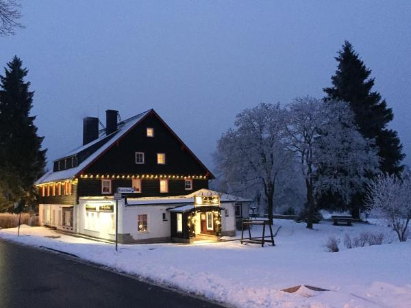 Hotel Pictures: Hotel Zum Kranichsee, Weitersglashütte