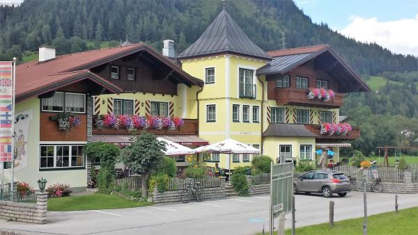 Hotel Pictures: Hotel Cafe' Hermann, Pichl