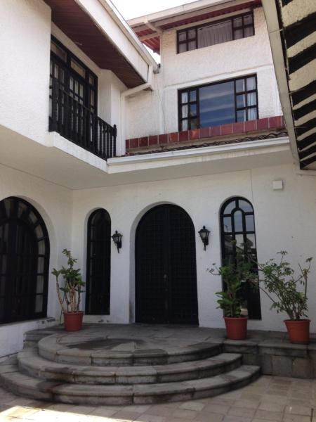 Hotel Pictures: Mansion Samzara Hosteleria, Sangolquí