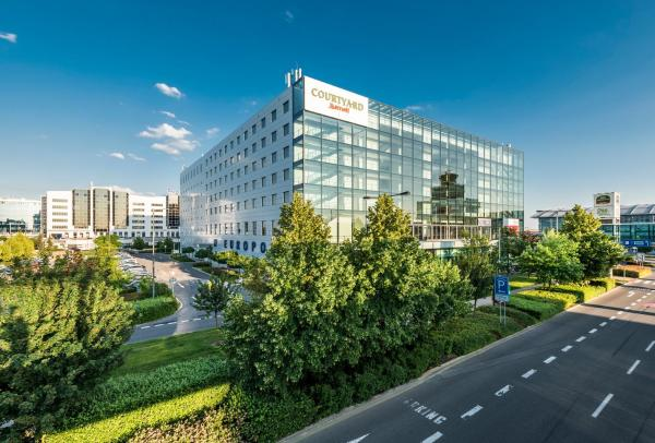 Hotel Pictures: Courtyard by Marriott Prague Airport, Prague