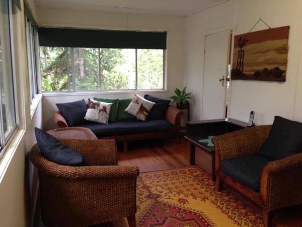 Hotel Pictures: Biddaddaba Valley Farm House, Boyland