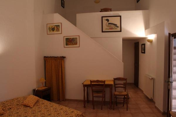 Hotel Pictures: Ferme de Sejour Rebuffel, La Roque-Esclapon