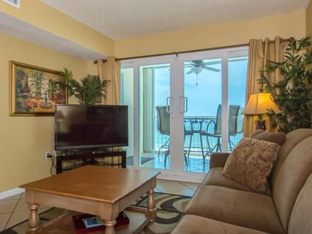 Hotel Pictures: Castaways 6B Apartment, Gulf Shores