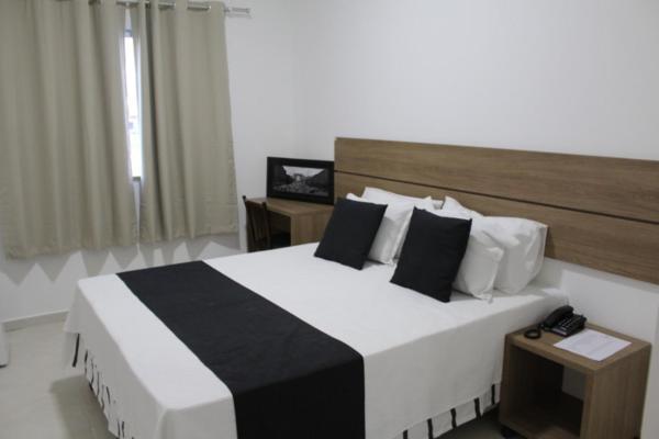 Hotel Pictures: Hotel IrmãƒOs Vaz Br 116 - Entronc. De Jaguaquara, Jaguaquara