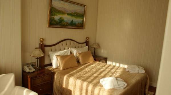 Hotelbilleder: Qobuland Hotel, Bǝdǝlli
