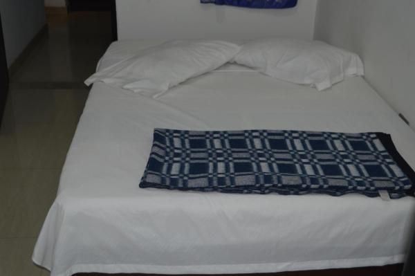 Hotel Pictures: Hotel Reina Isabel, Silvania