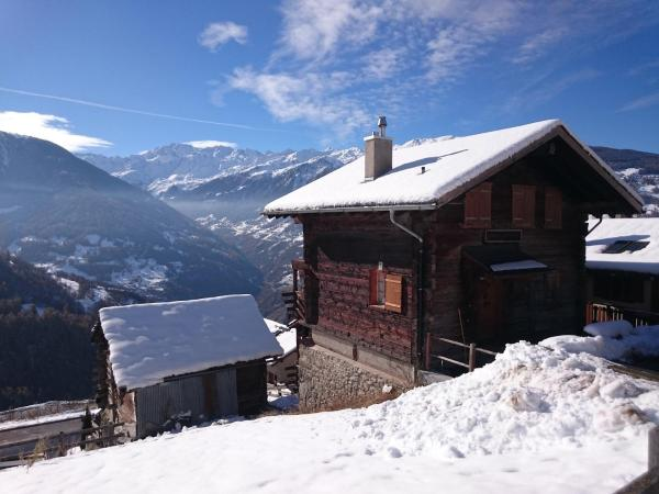 """Hotel Pictures: Chalet """"Chez Claudine et Charles"""", Mase"""