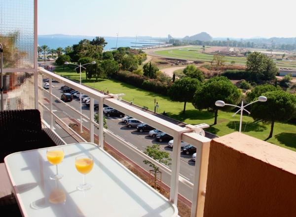 Hotel Pictures: Résidence meublée STUDIOTEL, Cagnes-sur-Mer