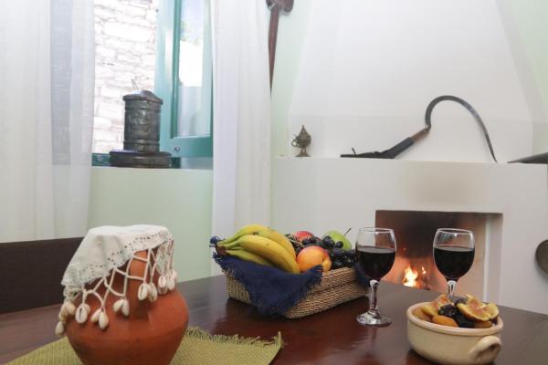 Hotel Pictures: To Konatzi tis Marikas tzai tou Yianni, Kato Drys