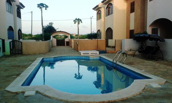 Hotel Pictures: Residence 'I Delfini', Vila do Maio