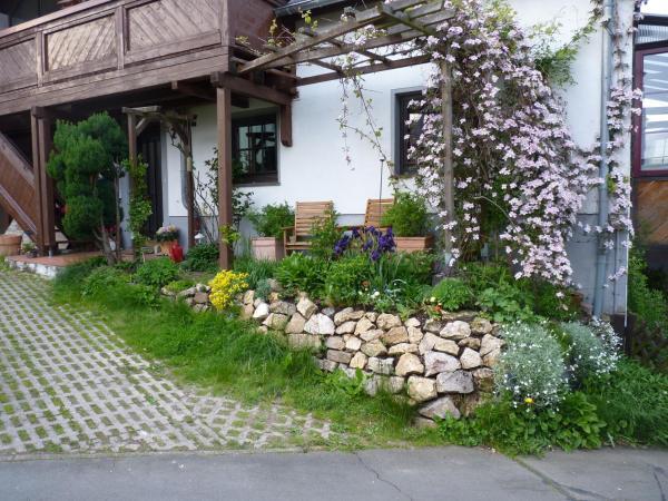 Hotel Pictures: Eifelröschen, Darscheid