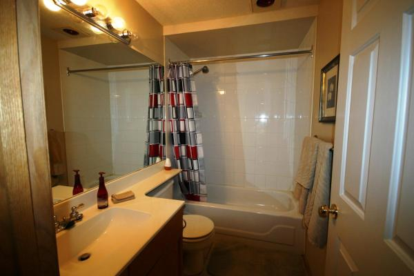 Hotel Pictures: Gleneagles House, Cochrane