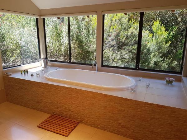 Фотографии отеля: Jarrah Grove Forest Retreat, Rosa Glen