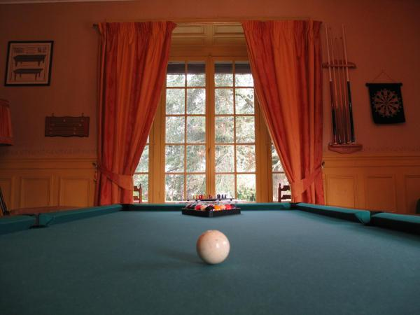 Hotel Pictures: Manoir de Graincourt, Derchigny