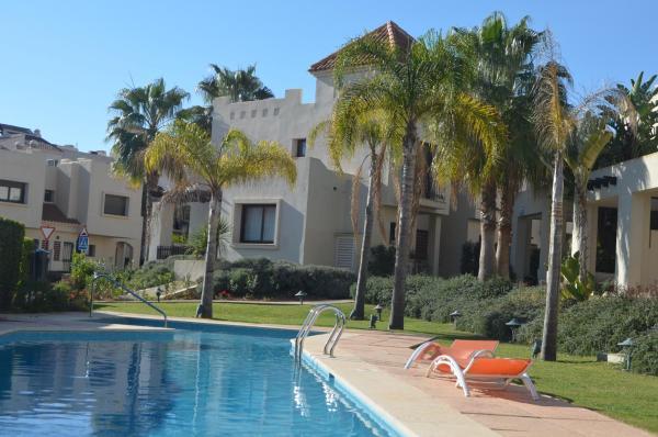 Hotel Pictures: Roda Golf Resort - Casa Delujo, Roda
