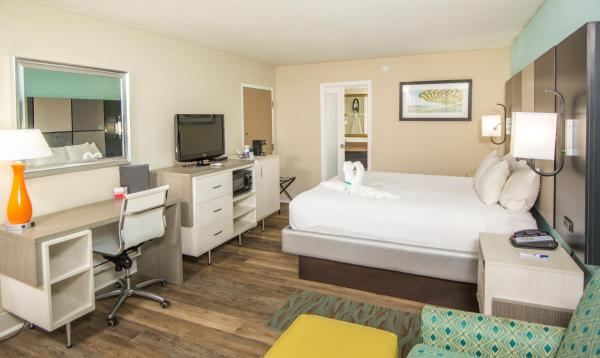 King Room with Walk-in Shower - Non-Smoking/Disability Access