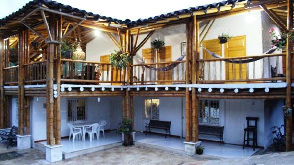 Hotel Pictures: El Corralito de Guadua, Armenia