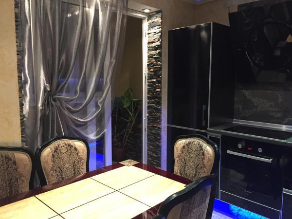 Hotel Pictures: Аpartment on Parkovaya Street 3V, Zhdanovichi