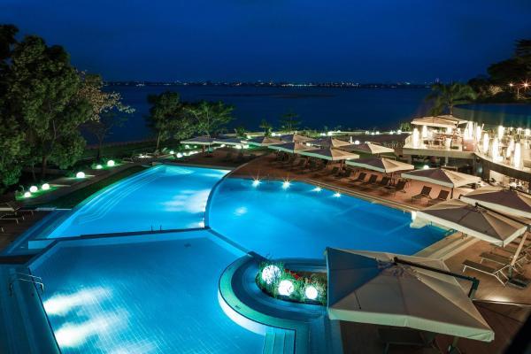 Hotel Pictures: Radisson Blu M'Bamou Palace Hotel, Brazzaville, Brazzaville