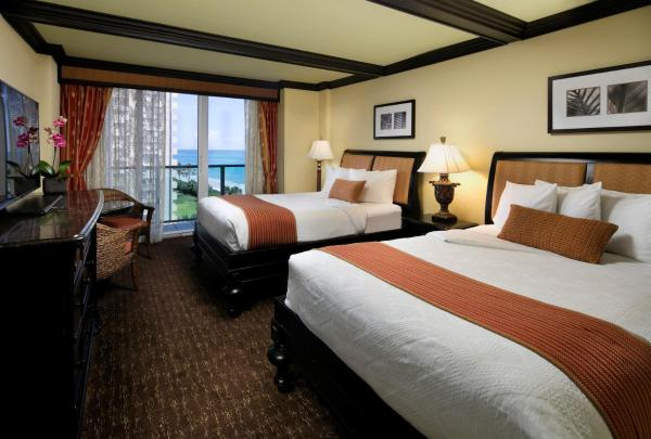 Double Room with Two Double Beds and Premium Ocean View