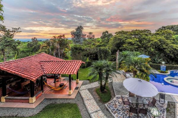 Hotel Pictures: , El Caimo