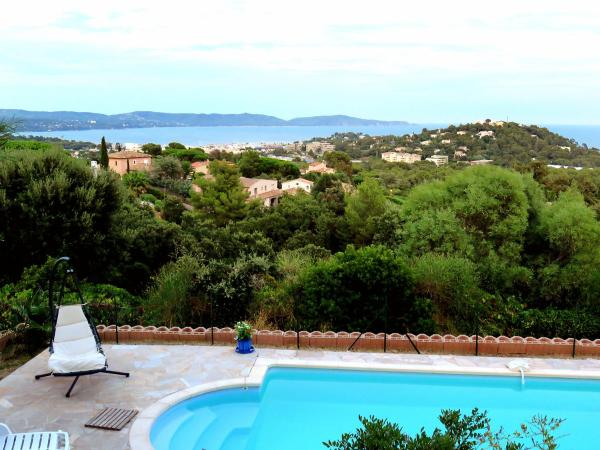 Hotel Pictures: Holiday Home Villa Micheline, Cavalaire-sur-Mer