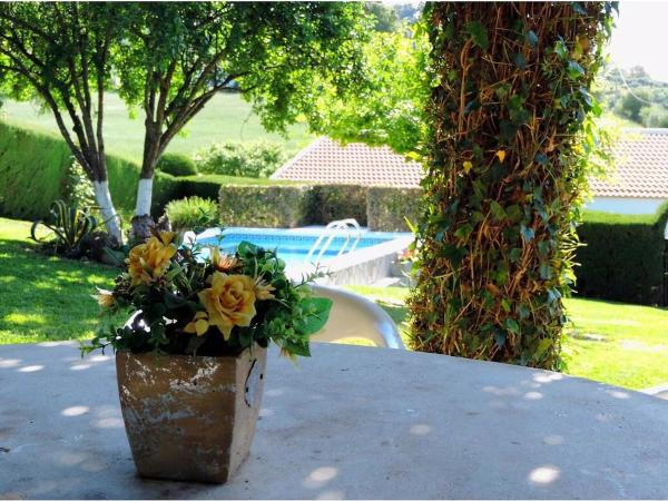 Hotel Pictures: Farm Stay Casa Rural de la Abuela María, Prado del Rey