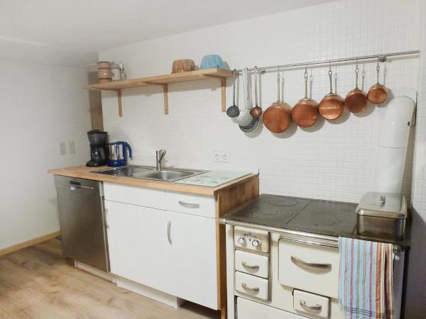 Hotel Pictures: Apartment Rosa.1, Mundelfingen