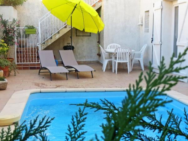 Hotel Pictures: Holiday Home Le Petit Patio, Châteaurenard