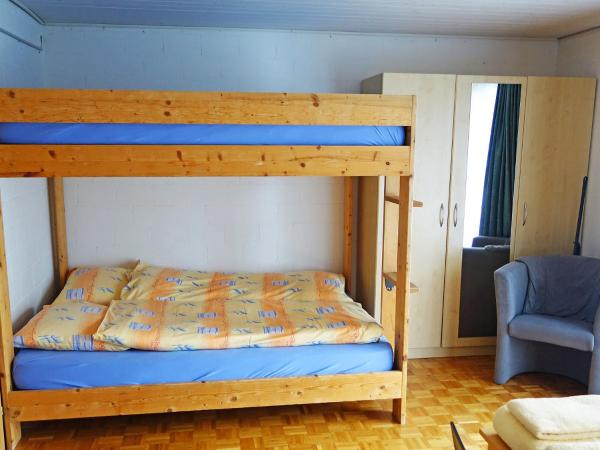 Hotel Pictures: Holiday Park Seematte, Studio Nr 10, Niederried