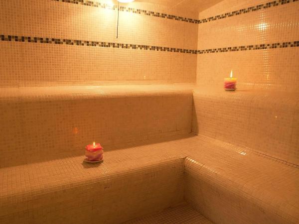 Hotel Pictures: Apartment Chateau Des Magnans.11, Jausiers