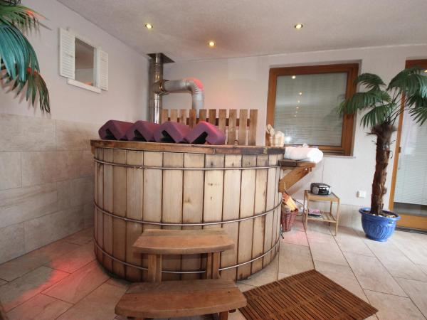 Hotel Pictures: Farm Stay Anita.3, Zellberg