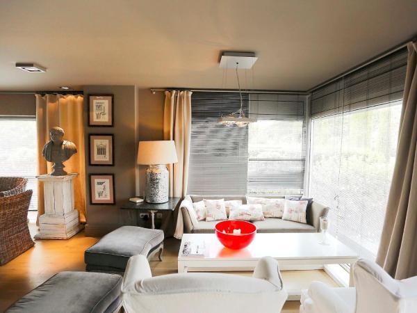 Hotel Pictures: Holiday Home Casa Carmina, Bonmont Terres Noves