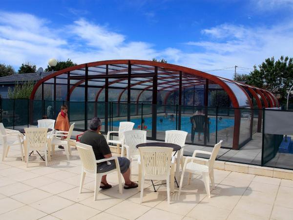 Hotel Pictures: Apartment Hameaux des Marines.2, La Michelière