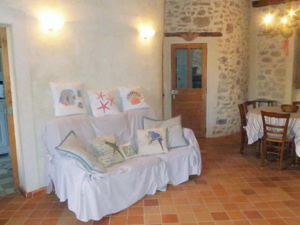 Hotel Pictures: Les Tourterelles 1, La Cadière-d'Azur