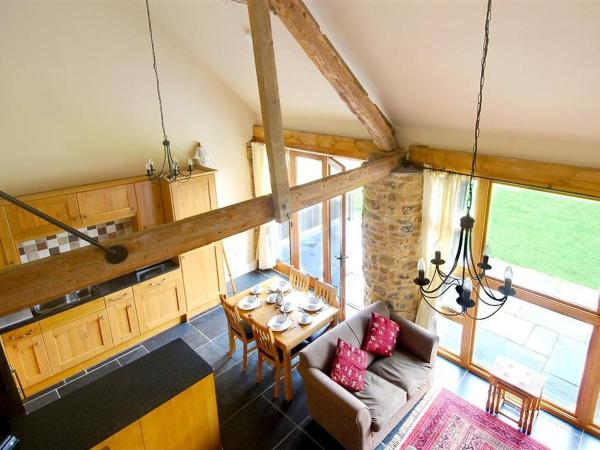 Hotel Pictures: Farm Stay Taw Valley Cottage, Umberleigh Bridge