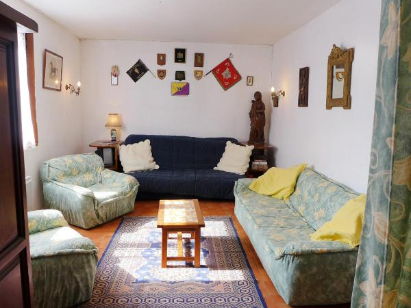 Hotel Pictures: Apartment Clos du du berger, Marcorignan