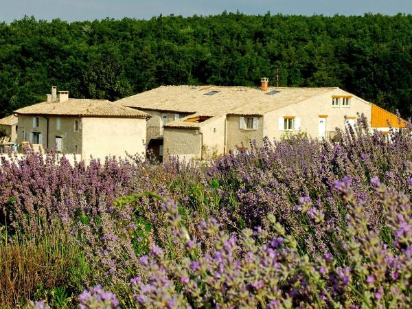 Hotel Pictures: Farm Stay Aubignane La bergerie de Panturle, Redortiers