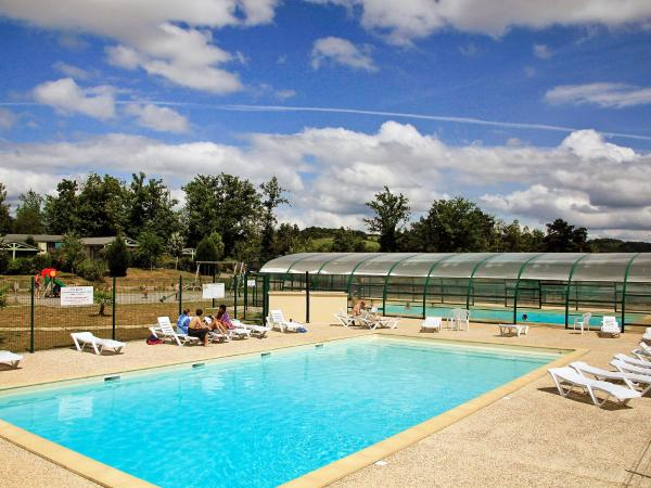 Hotel Pictures: Apartment Hameaux de Miel.4, Cors