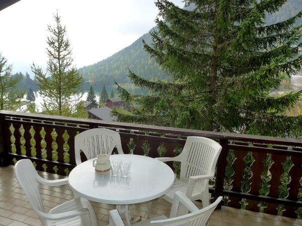 Hotel Pictures: Colline 9, Champex