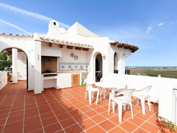 Hotel Pictures: Holiday Home Lok, Pego