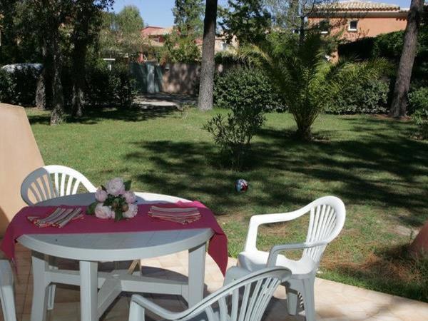 Hotel Pictures: Holiday Home BORGO STUDIO 2 pers, La Marana
