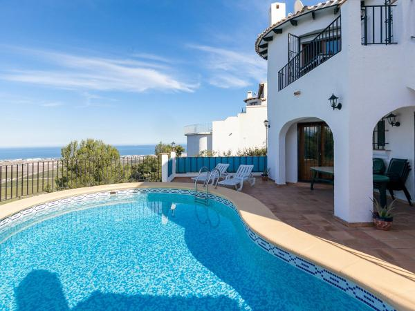 Hotel Pictures: Holiday Home Sol y Monte, Pego