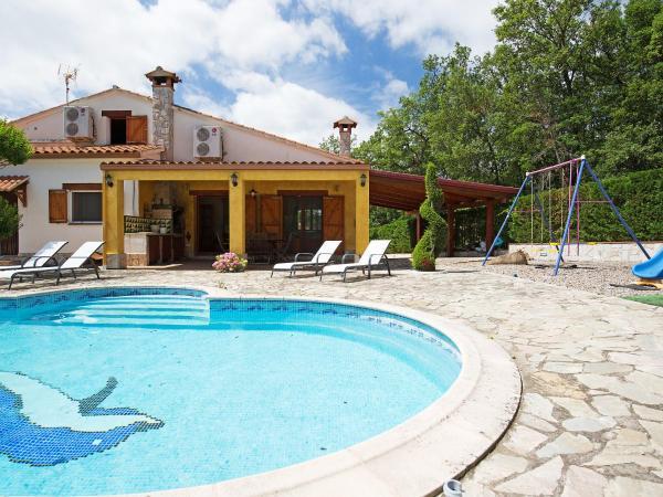 Hotel Pictures: Holiday Home Montesa, Caldes de Malavella
