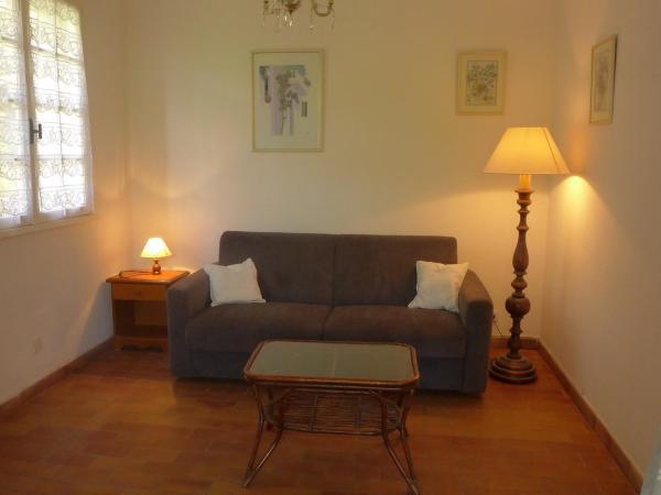 Hotel Pictures: Apartment Hameau la Madrague.24, La Madrague