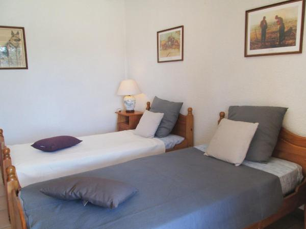 Hotel Pictures: Holiday Home Fromental, Bagnac
