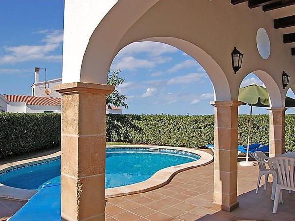Hotel Pictures: Holiday Park Villas Begonias V3D AC 01, Calan Bosch